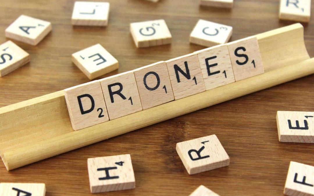 ¿Necesito titulación para volar un dron?